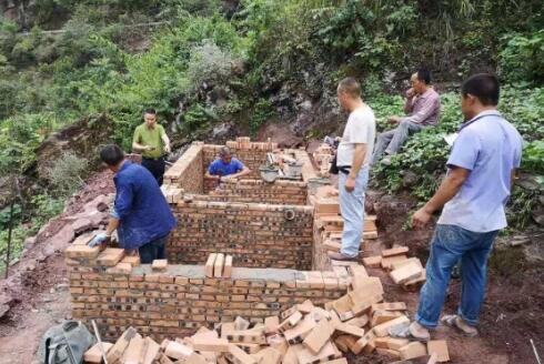 重庆奉节:青莲镇改厕有序推进 提高村民生活质量